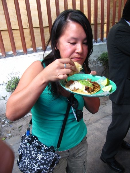 eating taco in mexico city